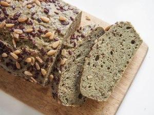 Cake à la farine de millet et à l'ortie, sans gluten