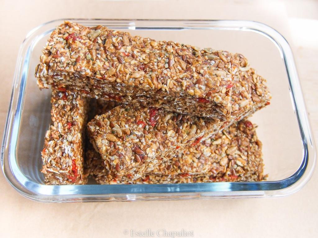 Barres énergétiques aux dattes et aux graines de tournesol, lin et sésame