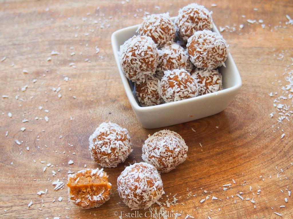 Boules moelleuses aux abricots secs, vegan, crues et sans gluten
