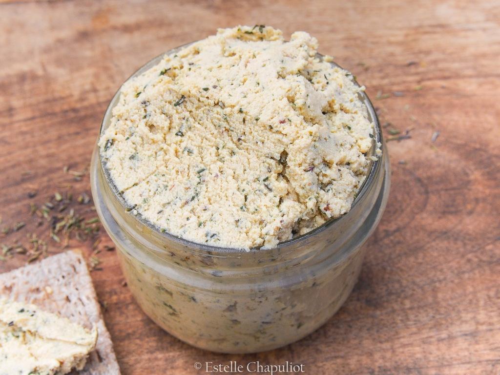 Fromage frais végétal au tofu lactofermenté, thym et miso