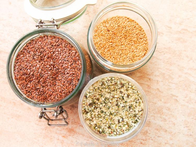 Graines de chanvre décortiquées et de lin (brun et blond), origine France