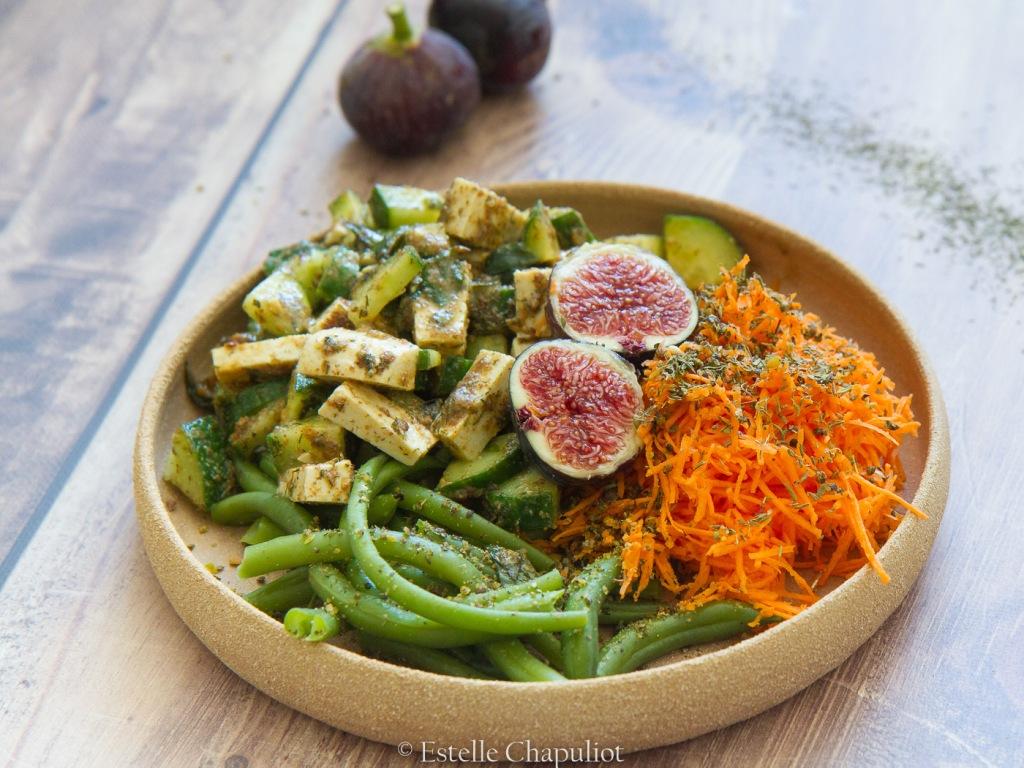 Repas coloré vegan, bon et sain