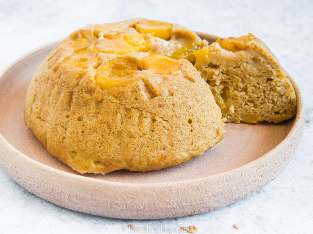 Gâteau moelleux aux prunes et millet, vegan et sans gluten