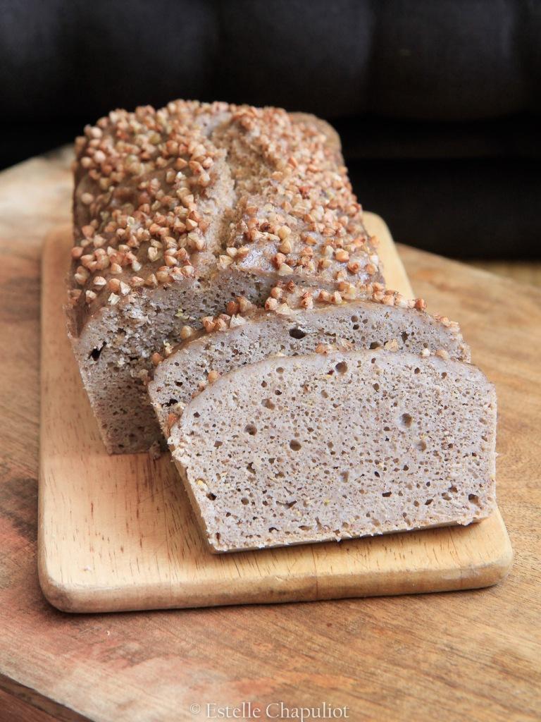 Pain aux grains de sarrasin et au levain, sans gluten et sans farine