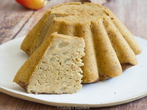 Gâteau aux poires et au millet, cuit vapeur, sans gluten et végétalien