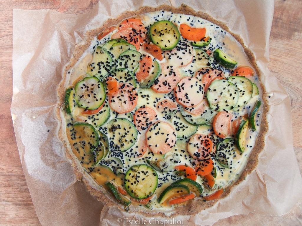 Quiche végétale aux courgettes et carottes, pâte sans gluten sarrasin - avant cuisson