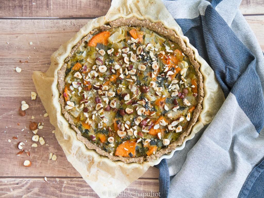"""Tarte aux légumes (navet, patate douce, poireau), """"béchamel"""" à l'avoine, pâte sarrasin-avoine - végétale et sans gluten"""