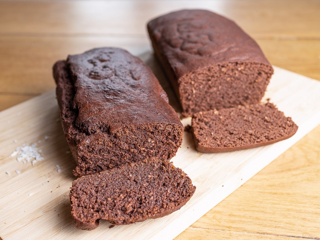 Gâteau au cacao cru et à la noix de coco (sans gluten et sans lactose)