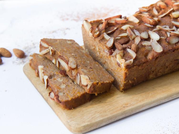 Gâteau fondant à la patate douce et à la farine de châtaigne (vegan, sans gluten, sans sucre ajouté)
