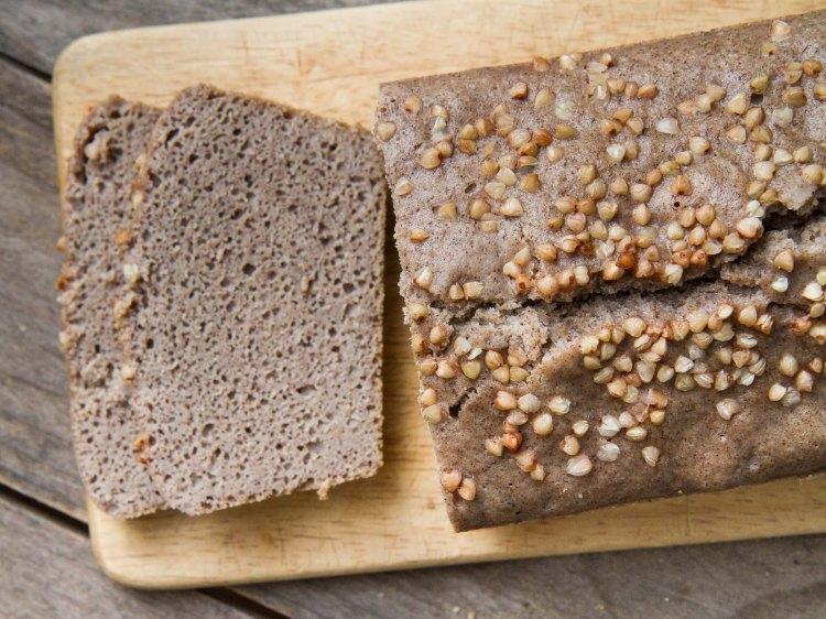 Pain au levain de sarrasin, aux farines de sarrasin et de riz complet (sans gluten)
