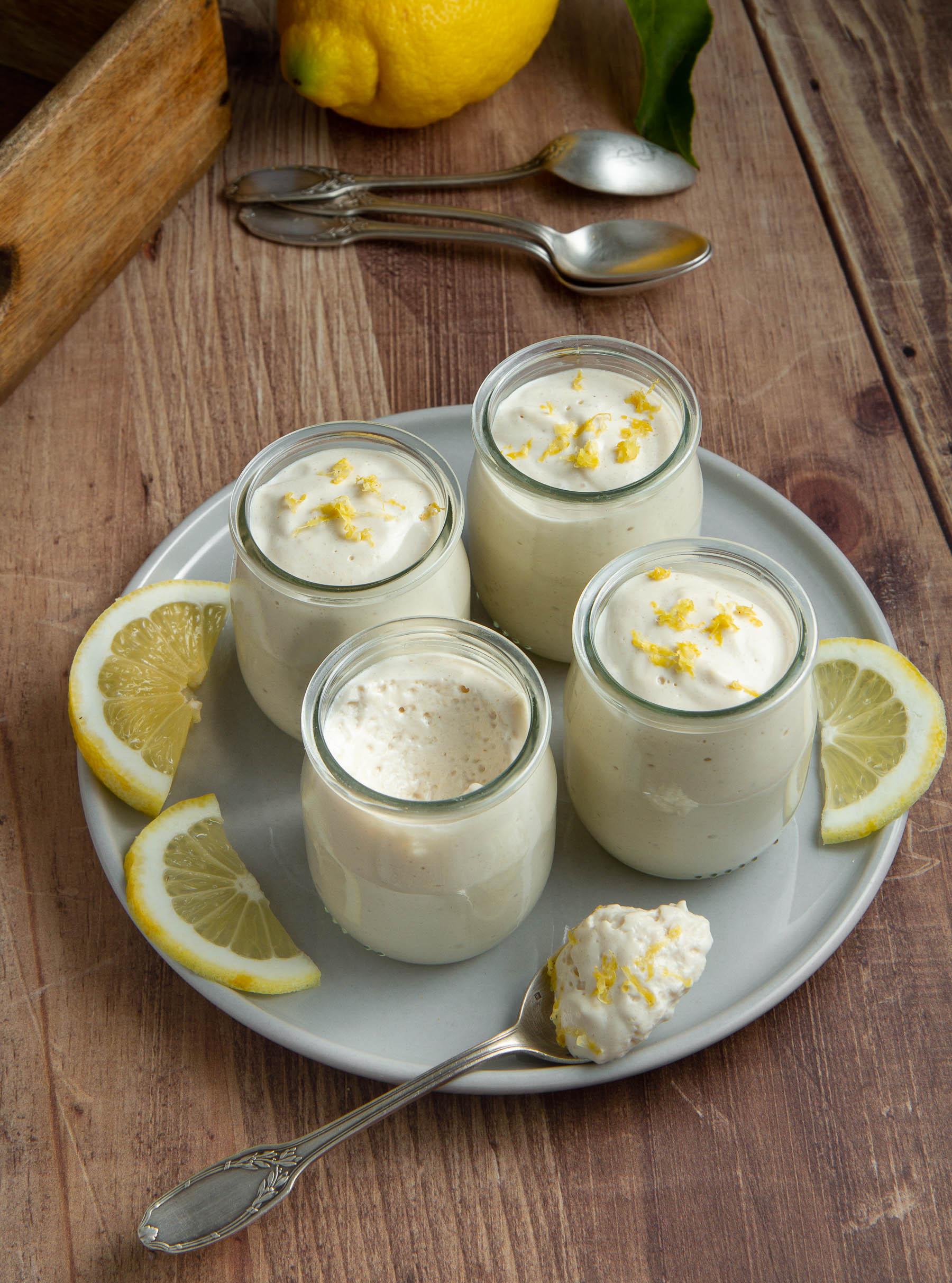 Mousse au citron et à l'amande (végétale)