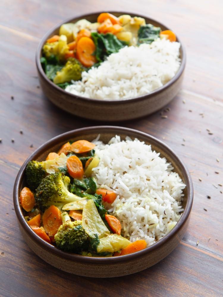 Curry de légumes (carotte, navet, brocolis, épinards) au lait de coco, riz basmati au cumin (vegan, sans gluten)